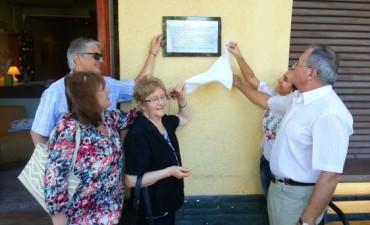 El Municipio homenajeó por trayectoria, al Hotel