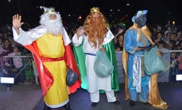 Miles de niños vivieron la llegada de los 'Reyes Magos' en el 'Centro Cívico'