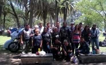 Los 'Moteros' disfrutan del motoencuentro en el Parque 'Las Acollaradas'