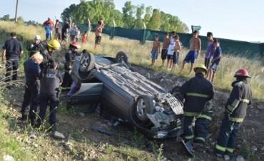 Olavarría: Violento vuelco en Ruta 226, dejó a una familia herida