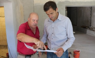 Infraestructura cultural: El intendente recorrió los avances de la sala teatral de El Mangrullo