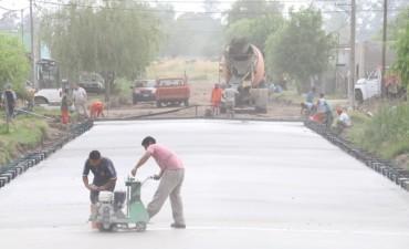 Avanza el programa pavimento continuo en Villa Diamante