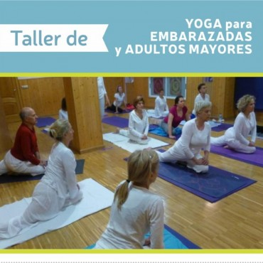Se dicta un taller de yoga para adultos mayores y embarazadas