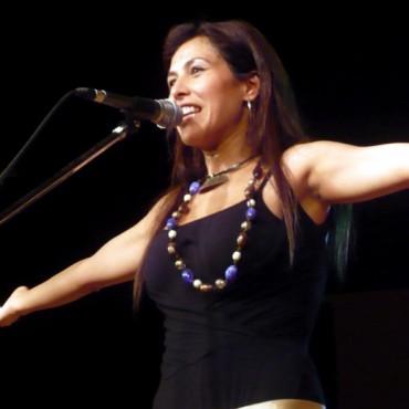 Hoy viernes 5 comienza la Fortinera Deroense; la primera luna con Roxana Carabajal