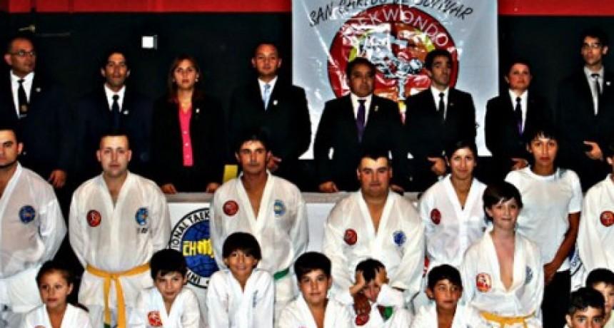 Taekwondo: Nuevo examen para avances de cinturones