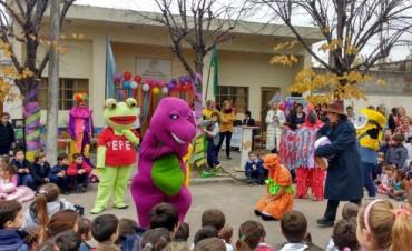 'Uniendo Sonrisas' : Crearon un nuevo espacio de arte para niños y adultos en la 'Biblioteca Alcira Cabrera'