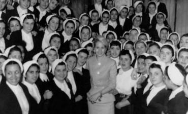 """DÍA INTERNACIONAL DE LA ENFERMERÍA: Se proyectó en el Cine Avenida """"Las enfermeras de Evita"""""""