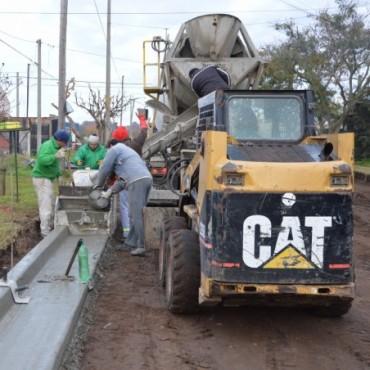 Pavimento Contínuo: La obra sigue avanzando en Barrio Solidaridad