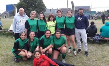 FUTBOL FEMENINO: Las Águilas invictas en el torneo organizado del Club Talleres