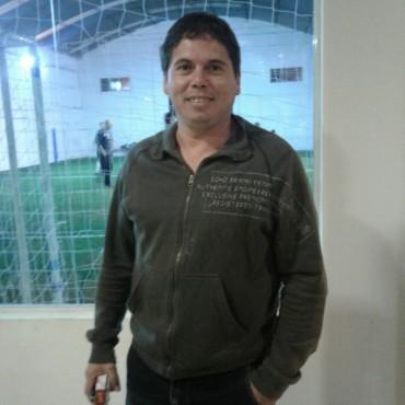 Comenzó el Torneo Comercial de Fútbol 5 Senior en 'La Vieja Esquina'