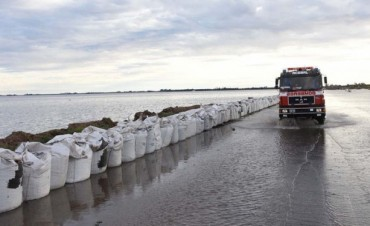 """""""Si la laguna sigue creciendo, todo el pueblo de Melincué terminará bajo el agua"""""""