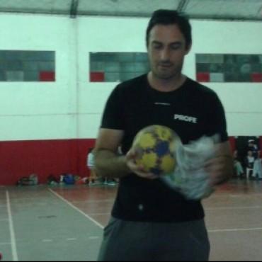 Emiliano  Baena  es el nuevo profe de handball del CEF