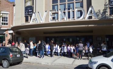 """Se realizó en el Cine Avenida la jornada """"Un Cuento Pintado"""" desde la Dirección de Ambiente"""