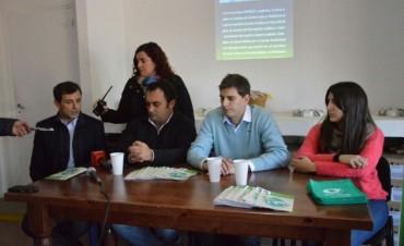 El intendente y el equipo de 'Medio Ambiente', presentaron la App 'Bolívar Verde'