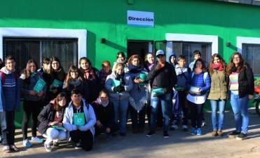 Alumnos de la EES Nº 4 de Daireaux visitaron la planta de residuos, cine y el museo