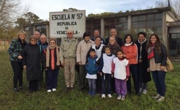 El equipo de educación recorrió la Escuela Nº 57 de cara al centenario