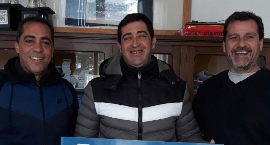 Se entrego el premio mayor de la Tarjeta Azul de Club Independiente