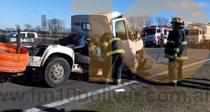 Un conductor debió ser hospitalizado tras un impactante choque sucedido en la Ruta 226 km 393