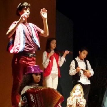 Se presentaron en el Coliseo los Talleres del Teatro el Mangrullo dirigidos por Alicia Garmendia