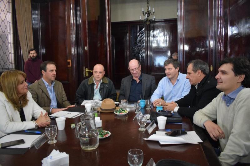 En el ministerio del interior erreca mantuvo una reuni n for Ministerio del interior empleo