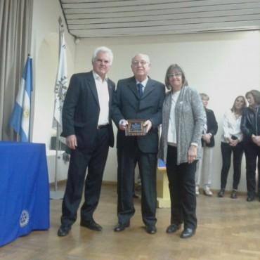 EL PEDIATRA DE NUESTROS HIJOS: El Dr. Francisco Ciro Flores fue reconocido por Rotary