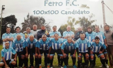 FUTBOL VETERANOS: Con 4 bolivarenses en su formación, Ferro Carril Sud fue campeón en Olavarría