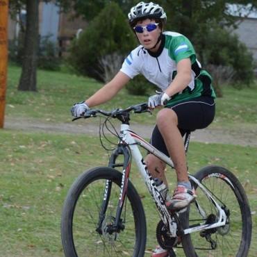 PASIÓN SOBRE DOS RUEDAS: El semillero de la Escuela de Ciclismo que promete