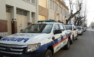 Actividad de la Policía: Un vuelco, daños en comercios, detenidos por alterar el orden e infringir ley de estupefacientes