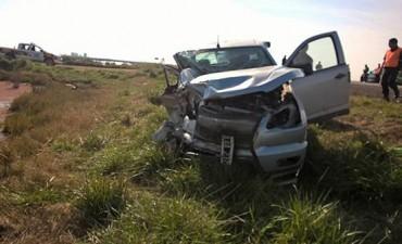 PEHUAJÓ: Dos camionetas colisionaron en la ruta 226