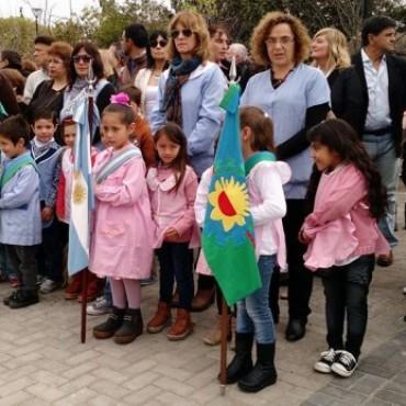 El Jardín de Infantes Nº 910 de Villa Diamante, solicita la donación de pantalones para niños que concurren a la entidad