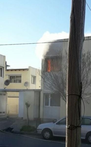 Incendio en un departamento: Ocurrió esta mañana y debió intervenir Bomberos Voluntarios
