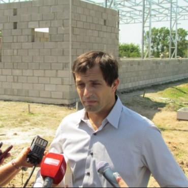 """Eduardo Bucca: """"Debemos festejar todos los bolivarenses que podamos abrir las canillas de nuestro domicilio y poder consumir agua potable"""""""