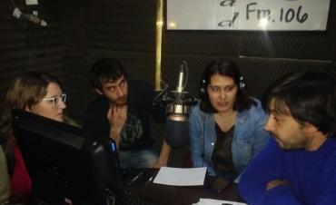 Luciano Gonzalo y Carolina Castillo tras ganar dos de las ocho nominaciones en el XXXIV Fiesta Teatral de Saladillo, hicieron su paso por WhatsAppeando