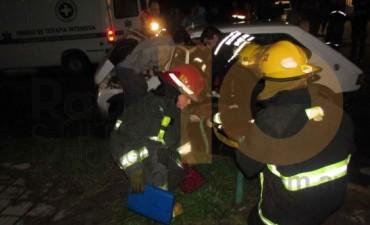 Una conductora resultó con lesiones menores a raíz de una violenta colisión