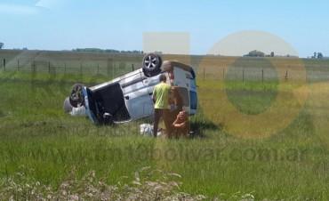Ruta 226: Despiste y vuelco de un automóvil