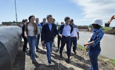 Macri y Vidal recorrieron las obras del río Salado
