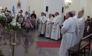 El padre Abel Urrutia cumplió 40 años de ordenación sacerdotal