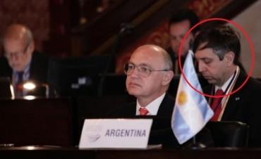 Designan a un bolivarense embajador en República Checa