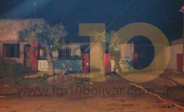 Incendio intencional en una vivienda de Bº Las Flores, donde vive el hombre imputado por 'Abuso Sexual Simple'