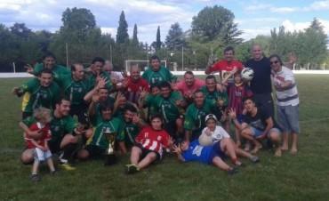 Fútbol Senior: Empleados le ganó a Casariego y es bicampeón