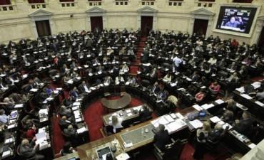 Suspenden en forma parcial el aumento de las dietas a legisladores