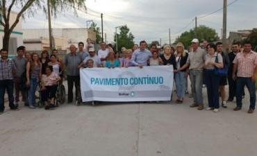 El intendente inauguró pavimento en barrio Los Zorzales