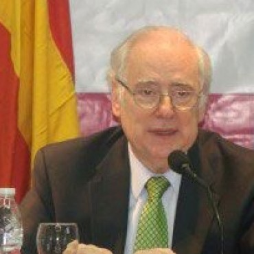 "Guillermo Jaim Etcheverry, ""Doctor Honoris Causa"""