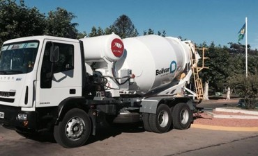 Presentaron el nuevo camión hormigonera para Bolívar