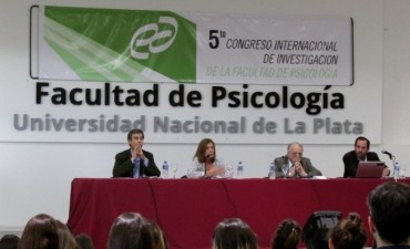 Alumnos de Psicología del CRUB participaron de un Congreso en la UNLP