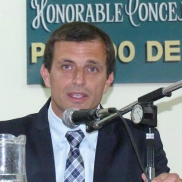 A las 20.45, juró Bali Bucca como intendente de Bolívar hasta 2019