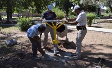 El Municipio realiza arreglos en la plaza de Barrio Pompeya