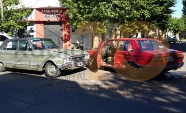 Violento impacto en la intersección de calles Roca y Las Heras