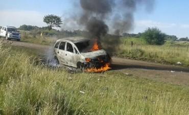 Olavarría: Encuentran incendiado un auto robado en Bolívar