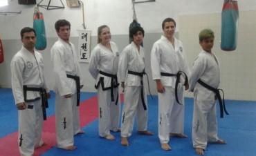 Taekwondo: Seis nuevos 'Cinturones Negros' en Bolívar